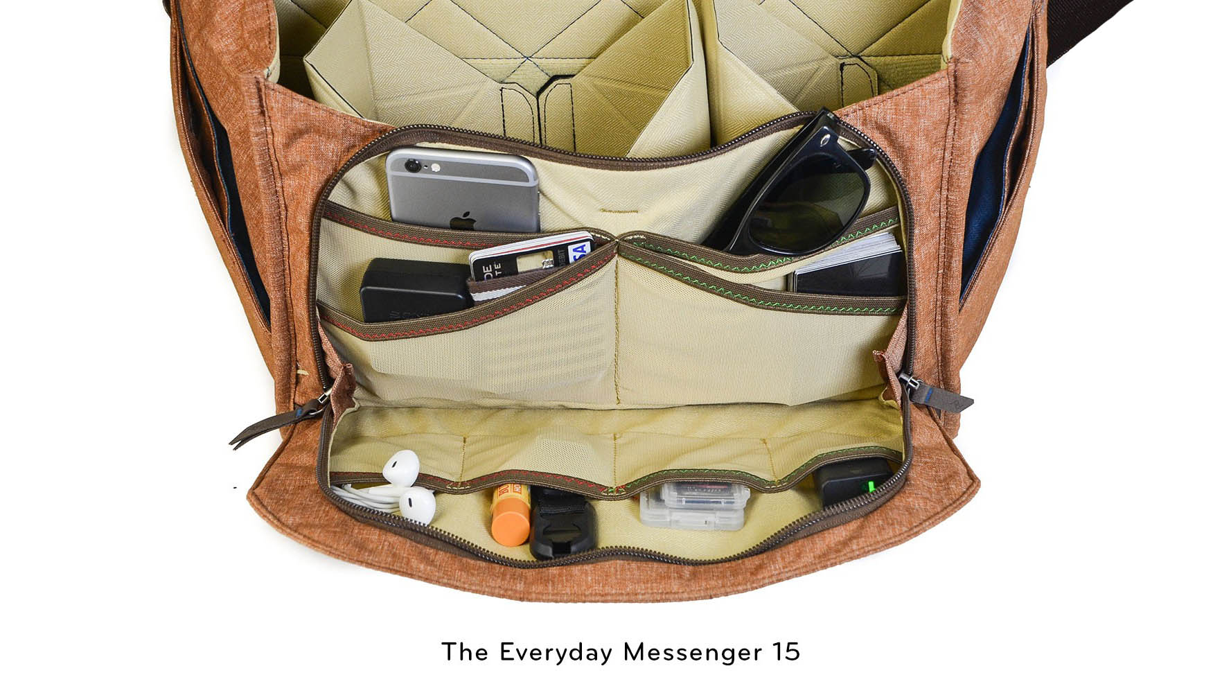 everyday-messenger-15-tan-interior-pocket-16×9